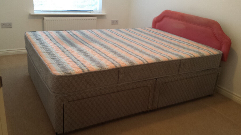 Double bed complete set 2 part divan base with 4 for Small double divan bed with headboard