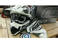 New Box size medium motocross helmet with goggles