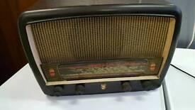 BROWN BAKERLITE PHILIPS VHF/AM RADIO 1960 RADIO AND