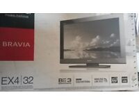 Nice Sony 32 inch slimline modern LCD TV complete with original box, stand and remote control