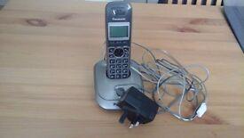 Panasonic landline digital phone with answering system