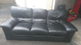 Leather suite black 3+2, used condition but too good to scrap