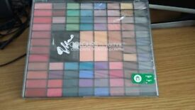 BNWT Boots Technic makeup palette