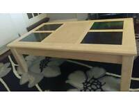 Oak coffee table with Mable square