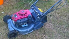 honda HRD536 QXE PETROL SELF PROPELED MOWER 53 CM