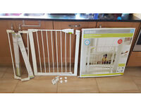 Lindum baby gate boxed with extentions