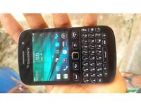 Blackberry Curve 9720 EE Touch Screen Used but in excellent condition Charger