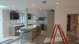 Good PAINTER DECORATOR paint from internal to external. , guarantee professional and clean work.