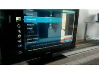 Samsung red 42 inch screen hd lcd free view TV £ 110