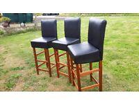 3x bar stools/chairs