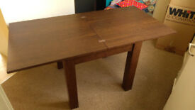 NEXT extending square dining table