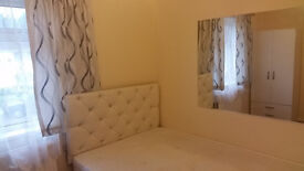 ::: Double Room in Waltham Cross:: North London:: £460pm:: Including Bills:::