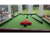 Small snooker table