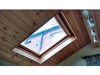 VELUX centre pivot rooflight - 98 cm x 78 cm - GGL-1 pine