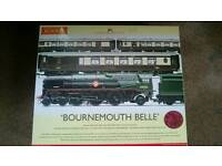 Hornby Bournemouth Belle Train Pack Set Excellent Condition