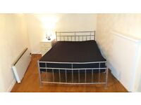 DOUBLE BEDROOM TO RENT IN A SHARED CLEAN HOUSE, FREE WIFI, NEAR TO ALL TRANSPORT, BILLS INCLUSIVE