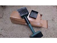 New and Unused carpet fitters tool (using knee)