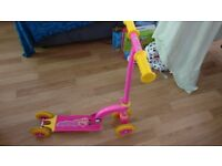 Free folding kids' scooter