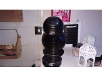 Dolce gusto machine in very good state, working well