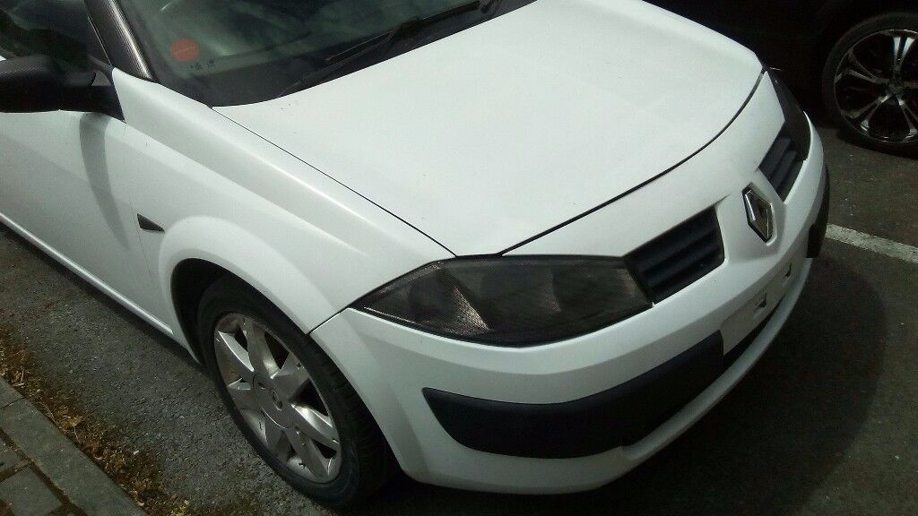 Renault megane dynamique convertible 1.6 manual