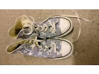 Blue and white stars Converse
