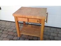 Oak butchers block with shelf on the bottom 2 draws and 2 vegetable baskets