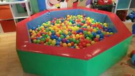 Commercial 2.1m ball pit to include the balls