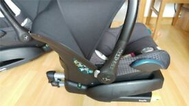Maxi Cosi 0+ Baby Car Seat Pebble Isofix Car Seat and Easyfix Base Good Condition