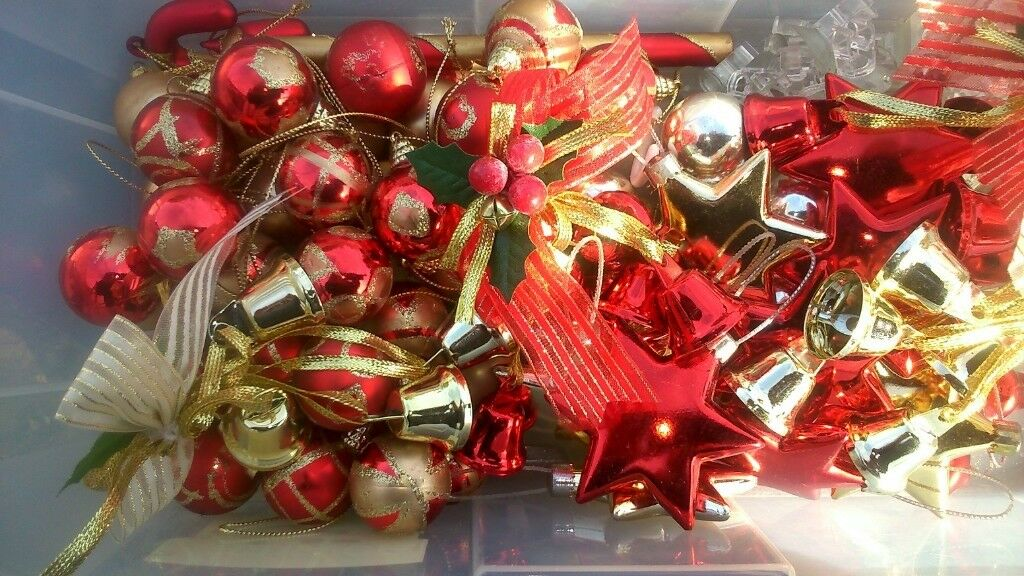 christmas tree decorations used collection only near coppins rd clacton