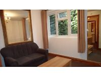 1 Bedroom Flat in Oaktree House, North Ealing, London W5