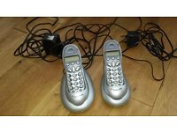 Set of 2 bt phones. Work well but need new batteries