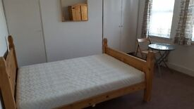 DOUBLE ROOM to rent £700 Wandsworth high street