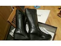 Ladies Lotus Bellano knee high boots size 6
