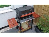 Barbecue in good condition - 2 burners and Gas Cylinder