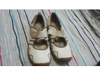 men nike shoes size 8 in vgood condition