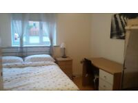 Double room in modern flat - HULME - for 1 Professional person available immediately Bills Included