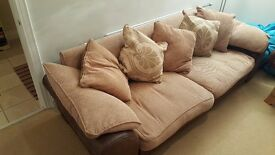 4 Seater Sofa Great Condition