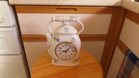Quartz Clock with Handle and Pattern Teapot Shape Feint Crack