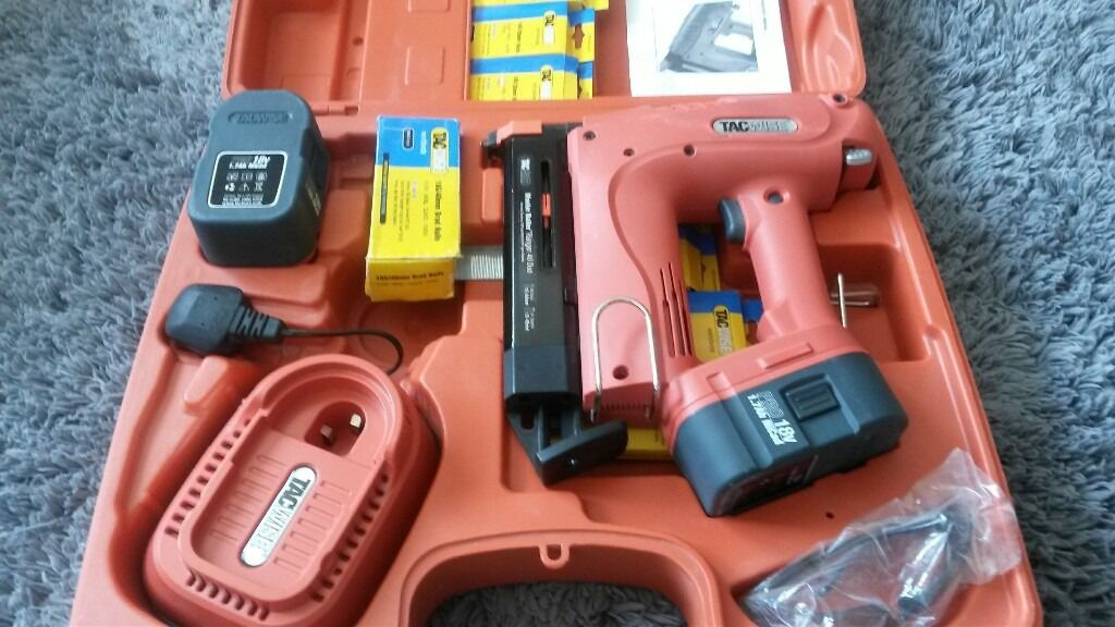 18 volt tacwise nailerin Arbroath, AngusGumtree - 18 volt nailer stapler with two batteries case and boxes of nails operators manual and safety glasses model master nailer 40 duo 40 nailer