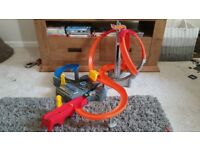 Hot Wheels Spin Storm Track with Car