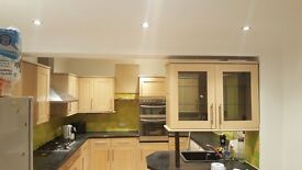 Newly refurbished home! Perfect location and 5minutes walk to Barnehurst station. Available now!!!