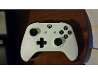 Xbox One S controller with two Venom batteries and charge stand