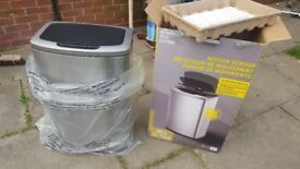 automatic stainless steel 80 Litre Motion Sensor Waste Bin, New never used, batteries included