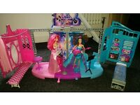 Barbie Rocking Royals Stage and 2 Dolls