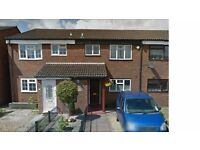 GREAT OPPORTUNITY 3 BEDROOM HOUSE IN FELTHAM PART DSS