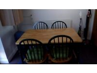 Pine Dining Table and 4 x Chairs. Excellent Condition!