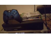 Xbox one 500gb with 3 games call of duty legacy edition. Gta 5.the Division. Headset