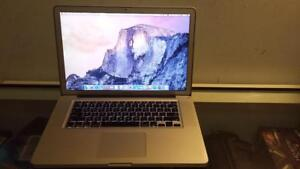 "2011 15"" Macbook Pro with Intel Core i7 Quad Core 2.4Ghz Processor, webcam and Wireless for Sale"