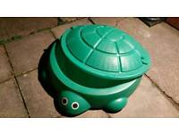 Turtle sandpit with lid large