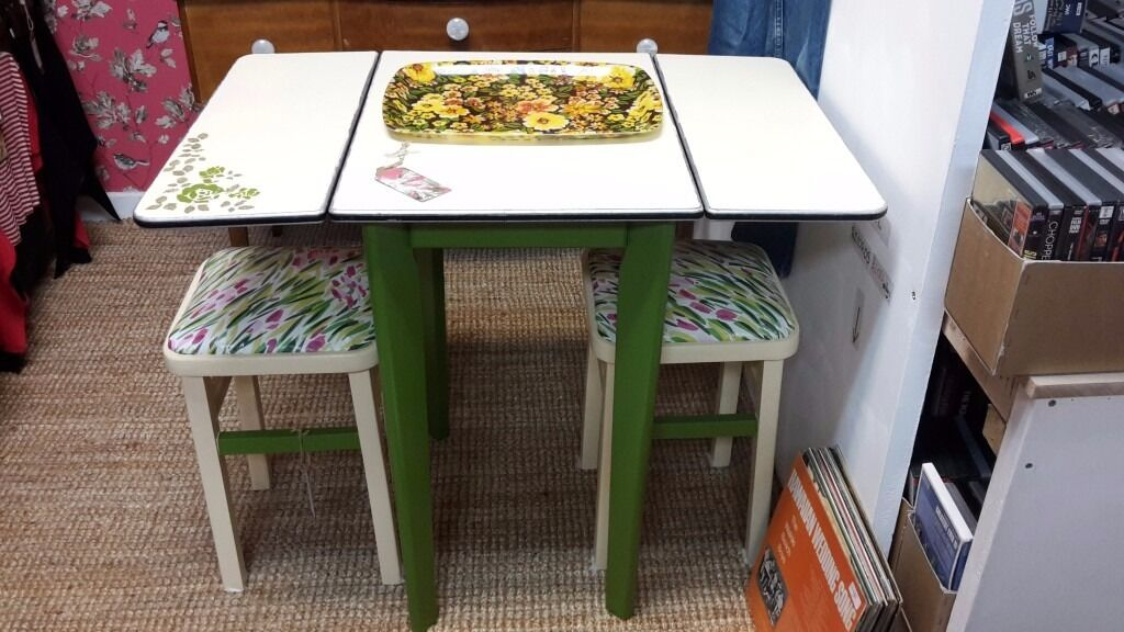 Retro Dining Foldable Table and Stools
